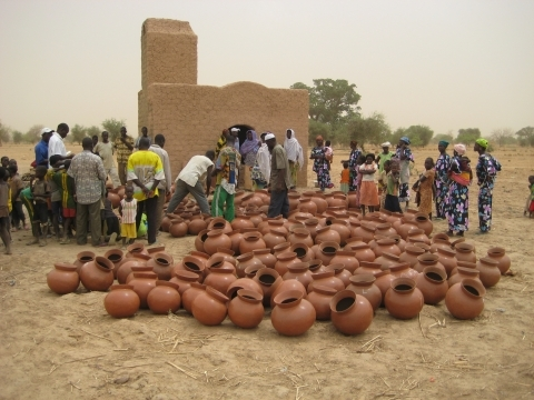 Women start their new kiln, Kelbo