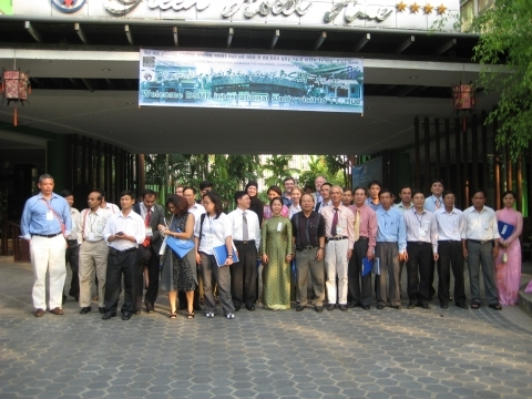 World Habitat Award study tour to DWF Viet Nam project in 2009